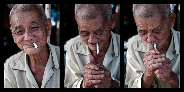 вьетнамцы курят