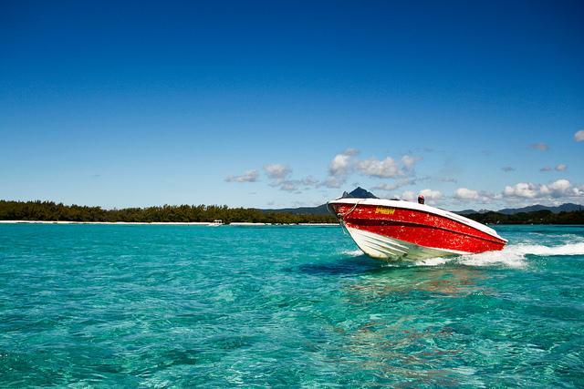 где отдохнуть в мае на море